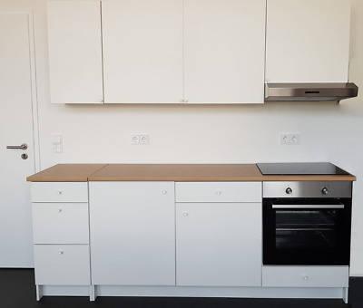 Muebles de cocina blanco Ikea con vitro y extractor  - Foto 1