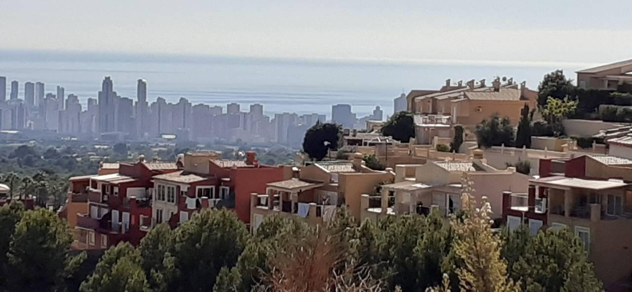 Parcela Urbana de 670m2 con vistas al mar  - Foto 1