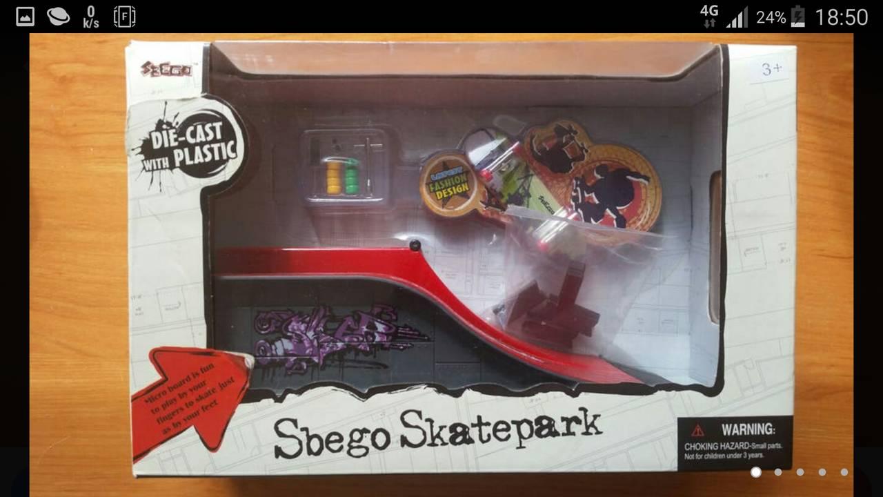 Finger skatepark Parque de monopatines de dedo  - Foto 1
