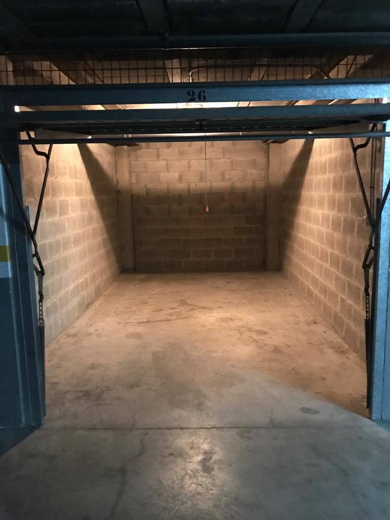 Alquilo garaje cerrado  - Foto 1