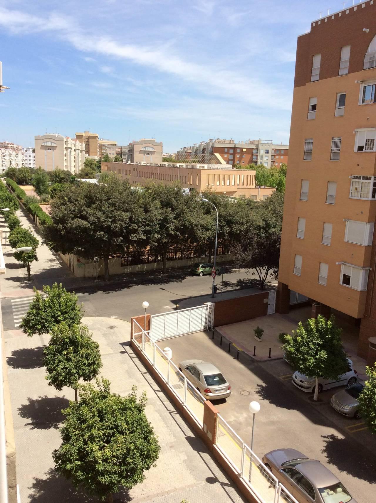 Alquiler de excelente piso en Santa Justa  - Foto 3
