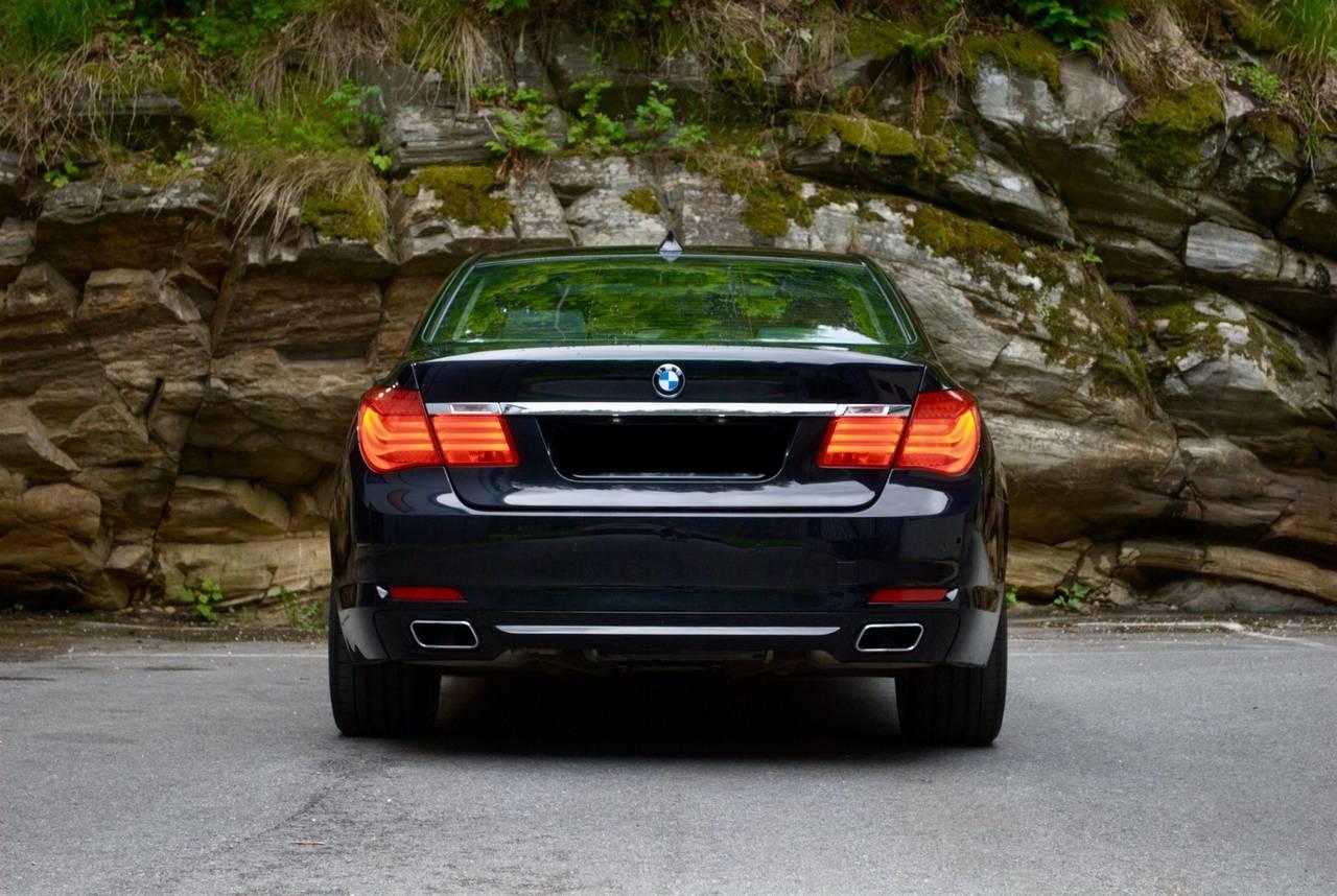 BMW Série 7 750i xDrive 4  - Foto 3