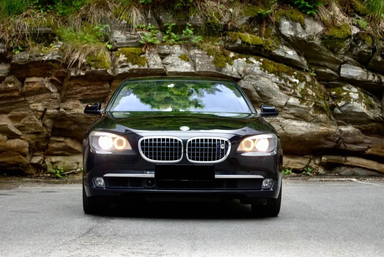 BMW Série 7 750i xDrive 4  - Foto 2
