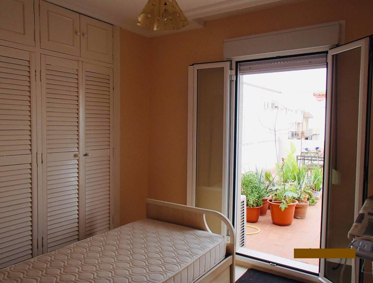 Particular alquila/vende preciosa casa adosada esquinera Coria del Rio  - Foto 5