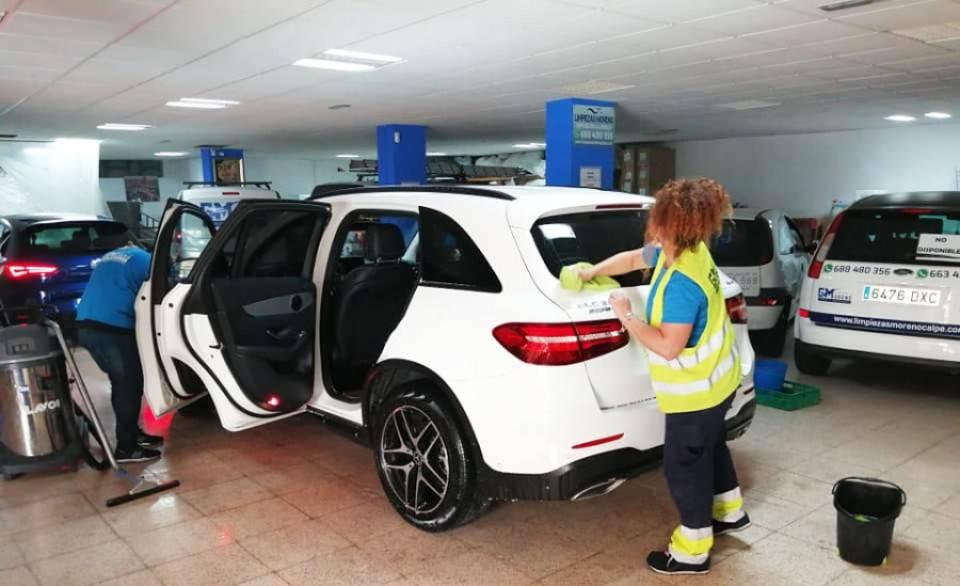 Limpieza profesional de vehículos  - Foto 1