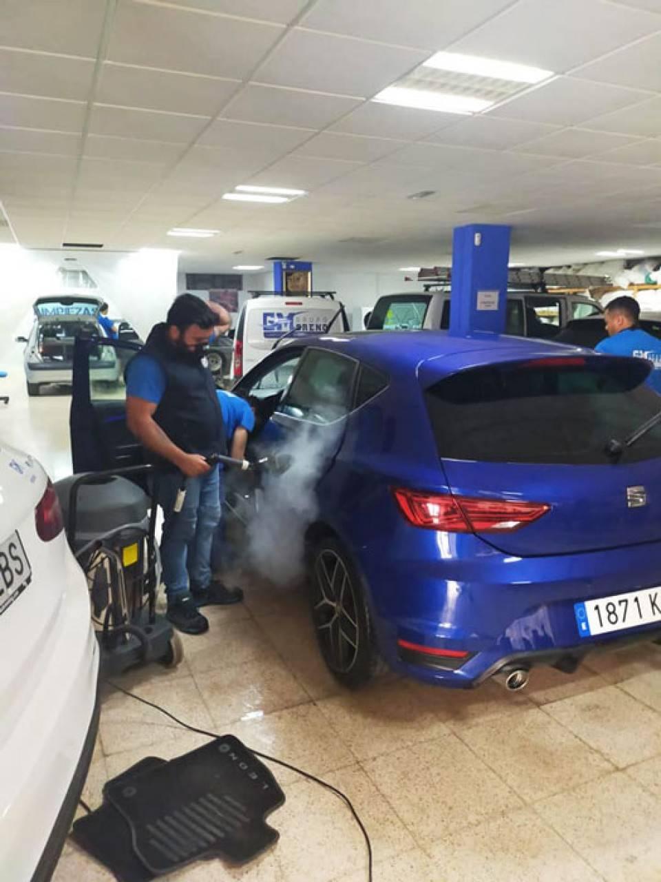 Limpieza profesional de vehículos  - Foto 11