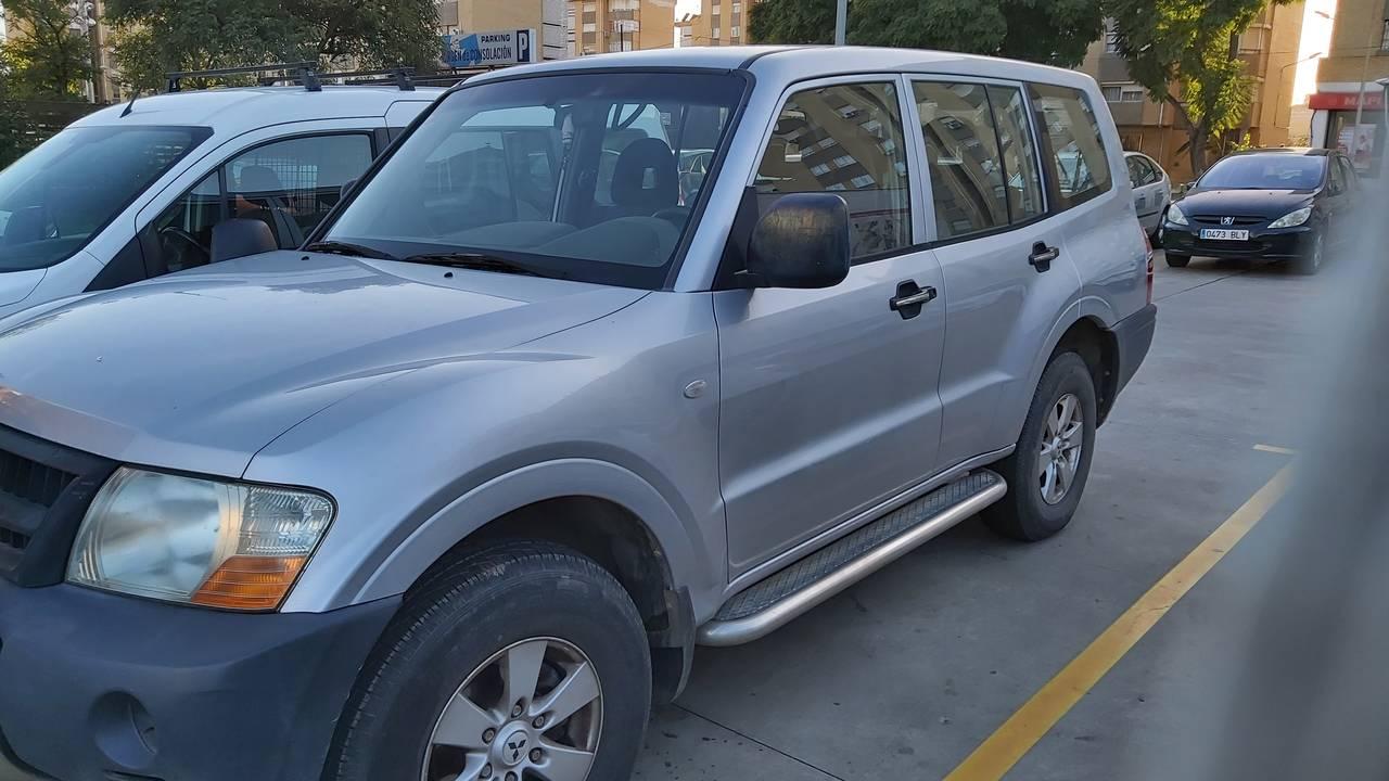 Mitsubishi montero sahel  - Foto 1