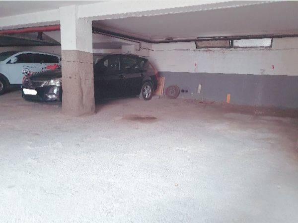 Amplia plaza de garaje en Panizo 56  - Foto 1