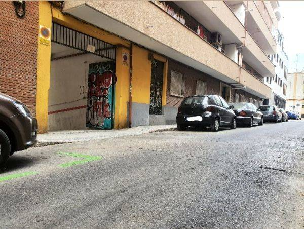Amplia plaza de garaje en Panizo 56  - Foto 3