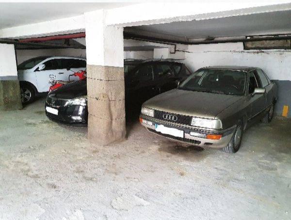 Amplia plaza de garaje en Panizo 56  - Foto 2