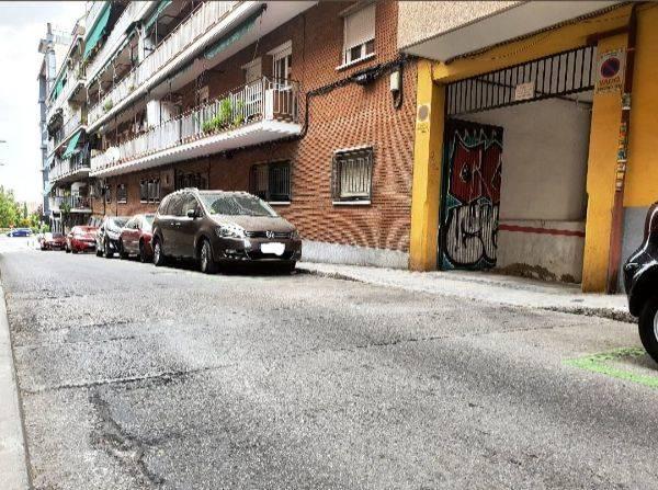 Amplia plaza de garaje en Panizo 56  - Foto 4