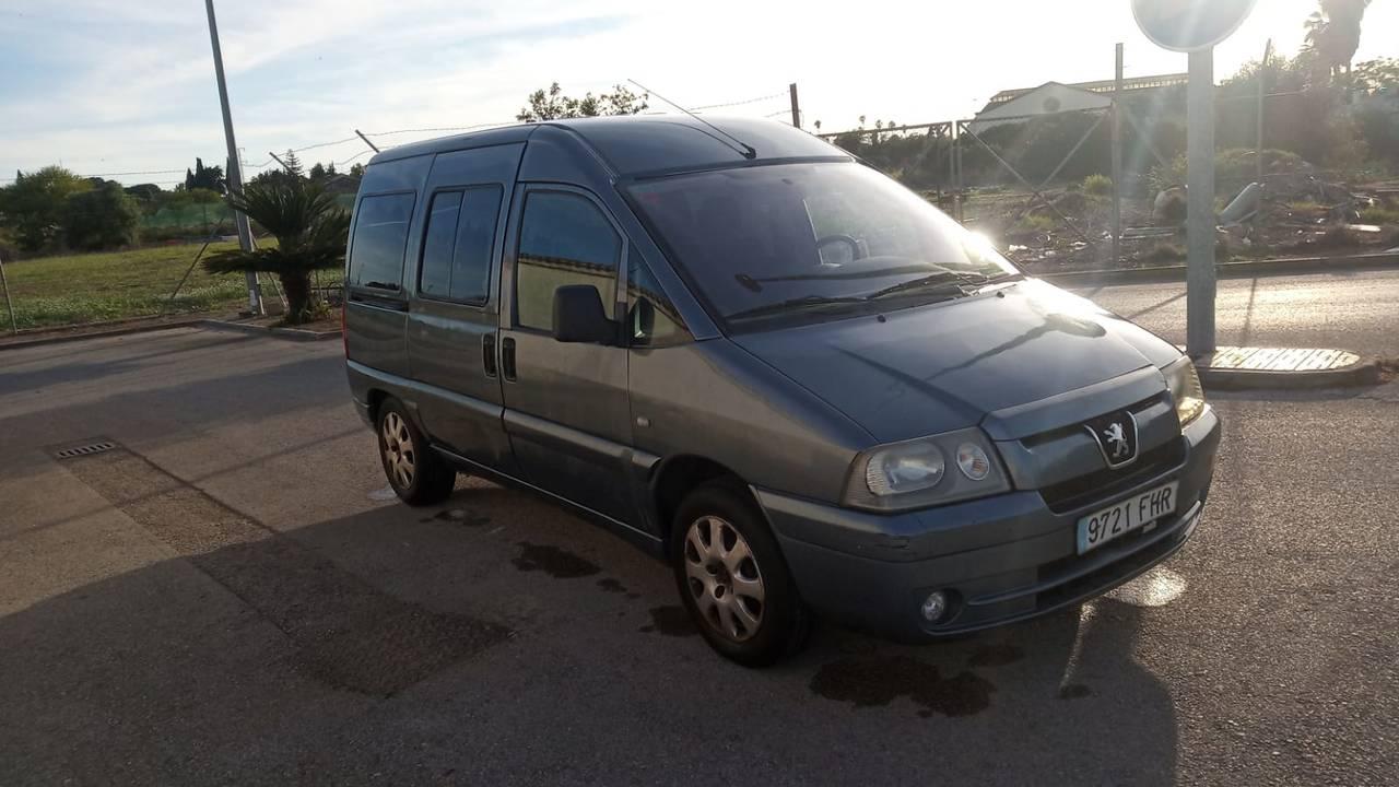 Peugeot 2.0 HDI PREMIUM  - Foto 1