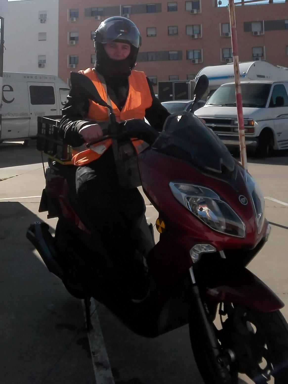 SE HACEN REPARTOS A DOMICILIO EN MOTO, BARATO Y RAPIDO PARA SEVILLA  - Foto 2