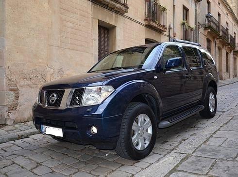 Nissan Pathfinder 2.5dCi LE Aut. DPF  - Foto 1