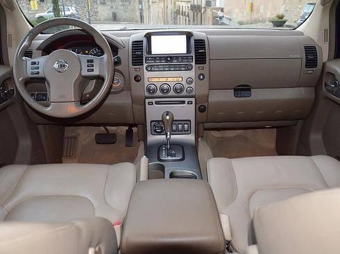 Nissan Pathfinder 2.5dCi LE Aut. DPF  - Foto 4