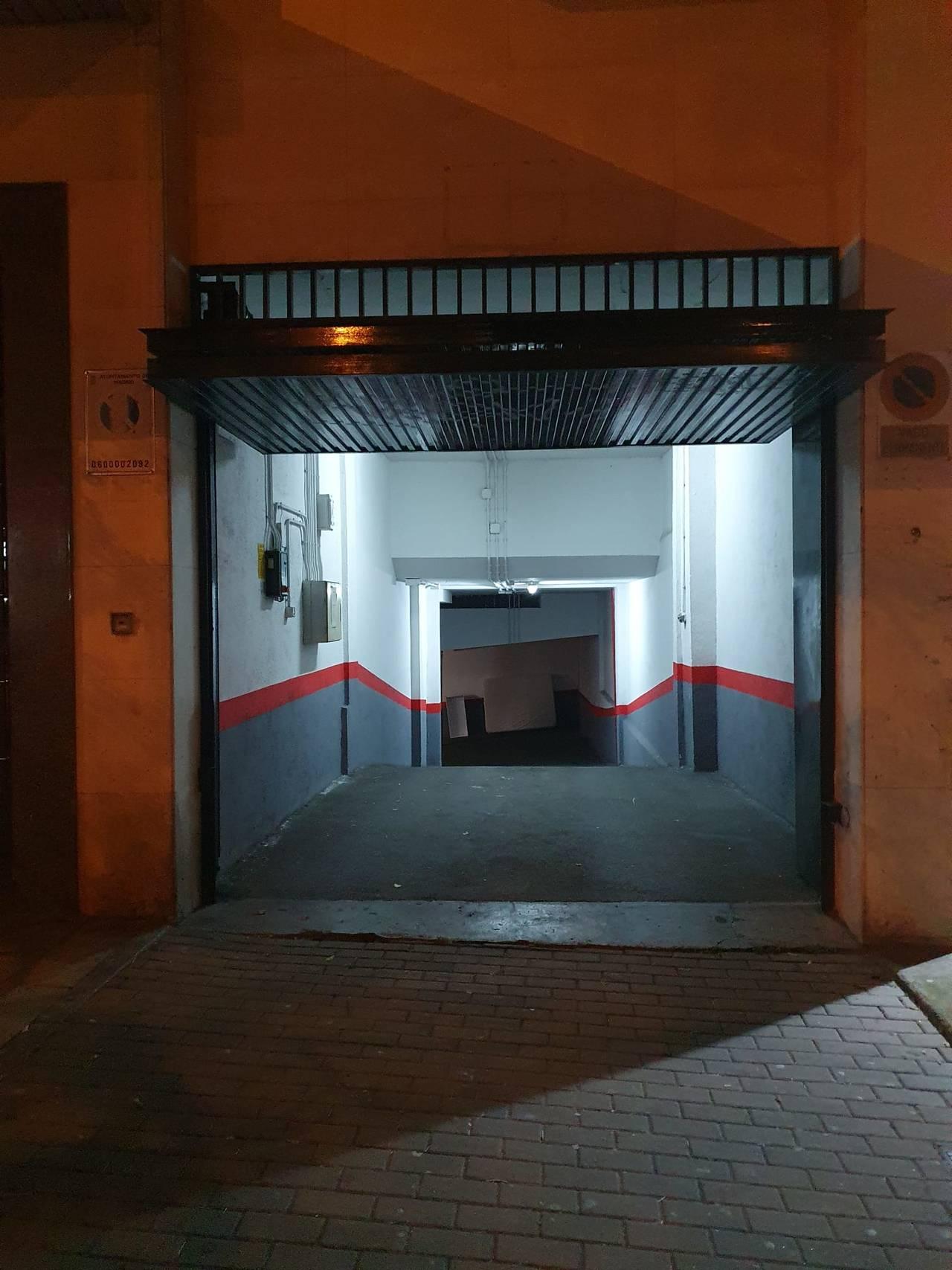 Plaza de Garaje para moto en Marqués de Viana 51  - Foto 3
