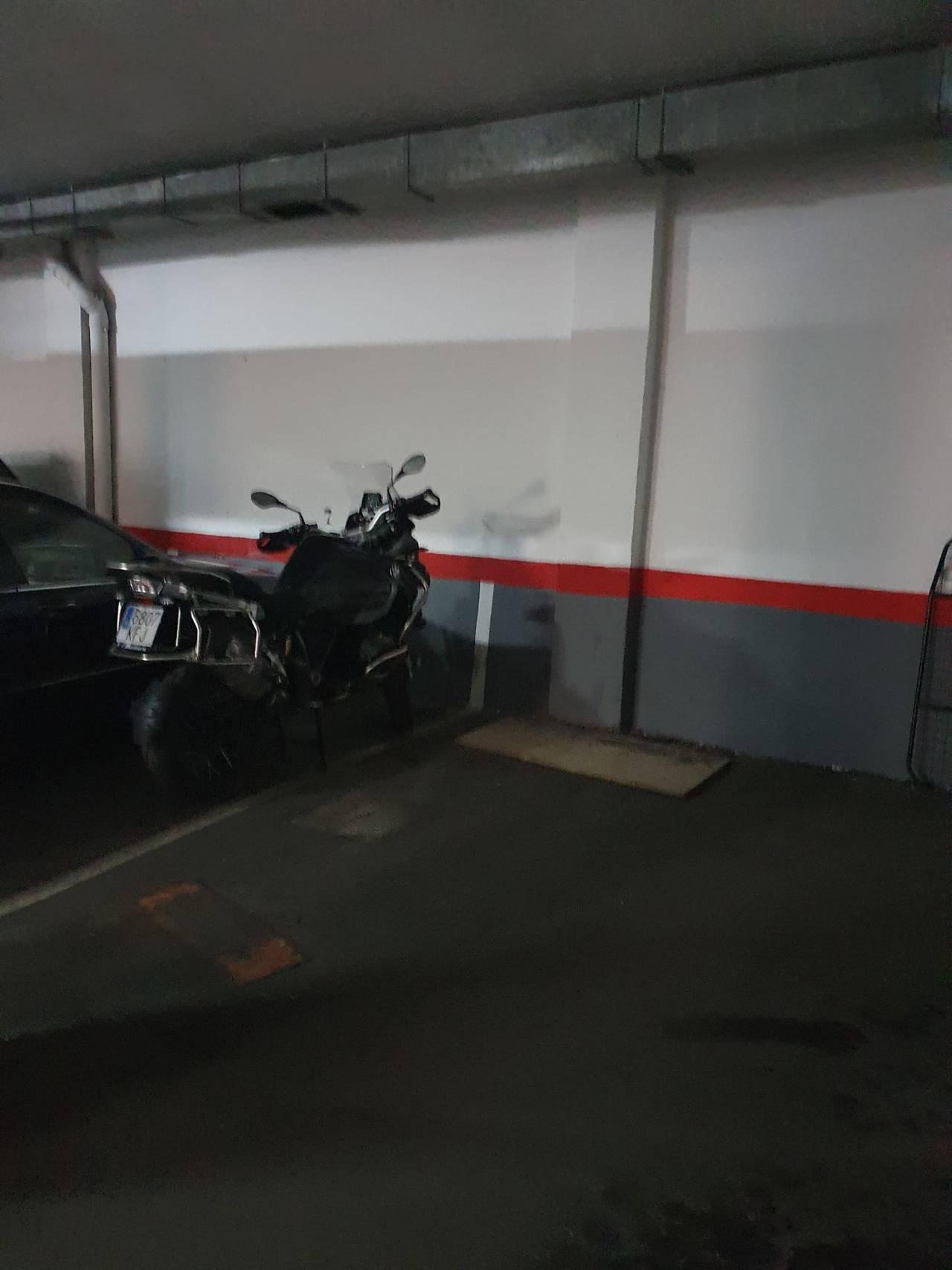 Plaza de Garaje para moto en Marqués de Viana 51  - Foto 5