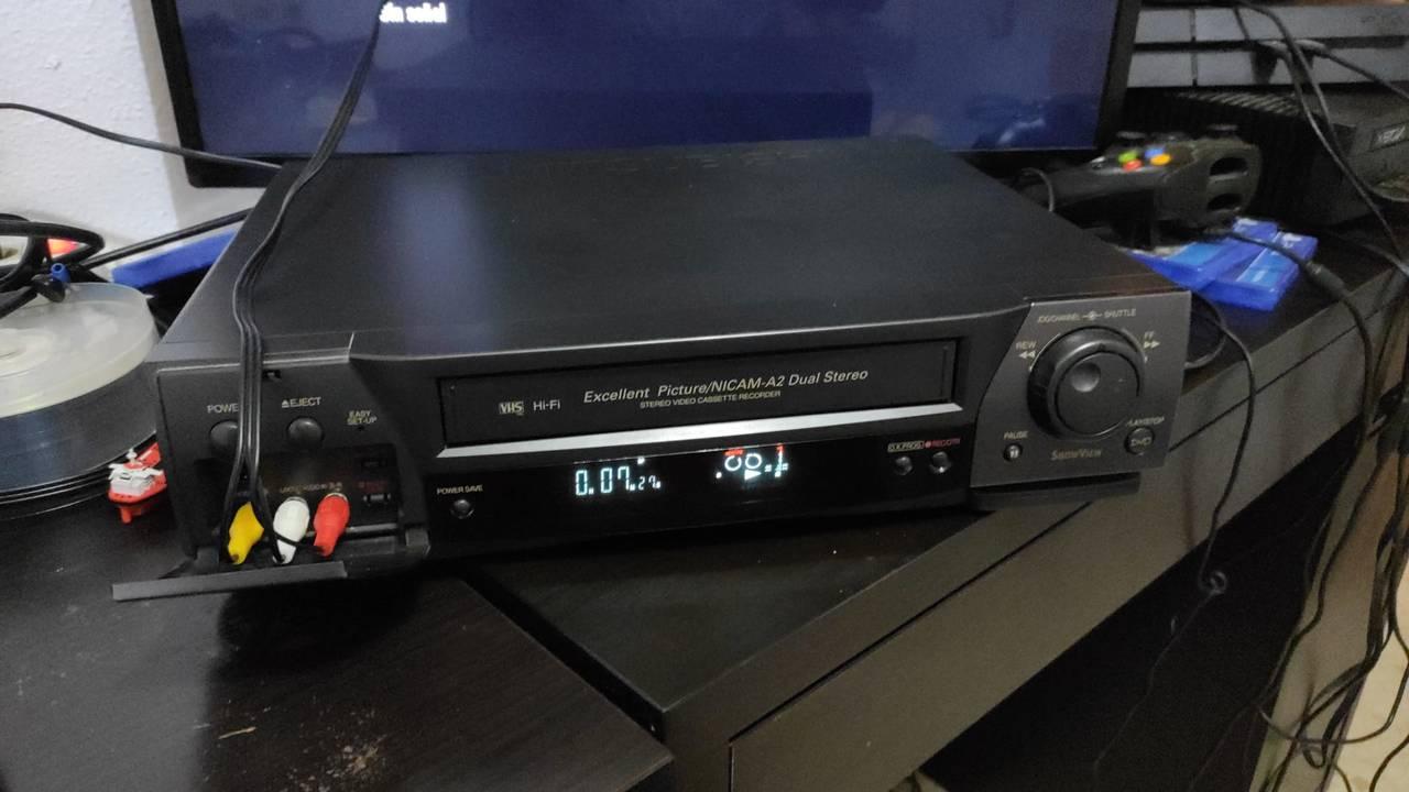 Se pasan cintas VHS,Mini-DV  y de 8mmde cámaras antiguas a DVDS y f...  - Foto 5
