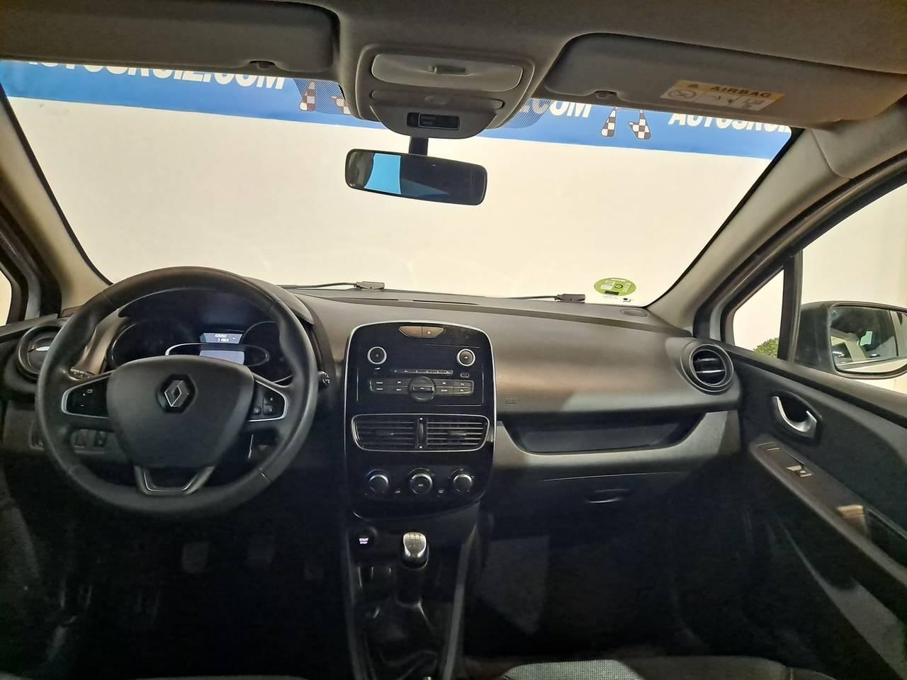 RENAULT CLIO SPORT TOURER 1.5 DCI  - Foto 12