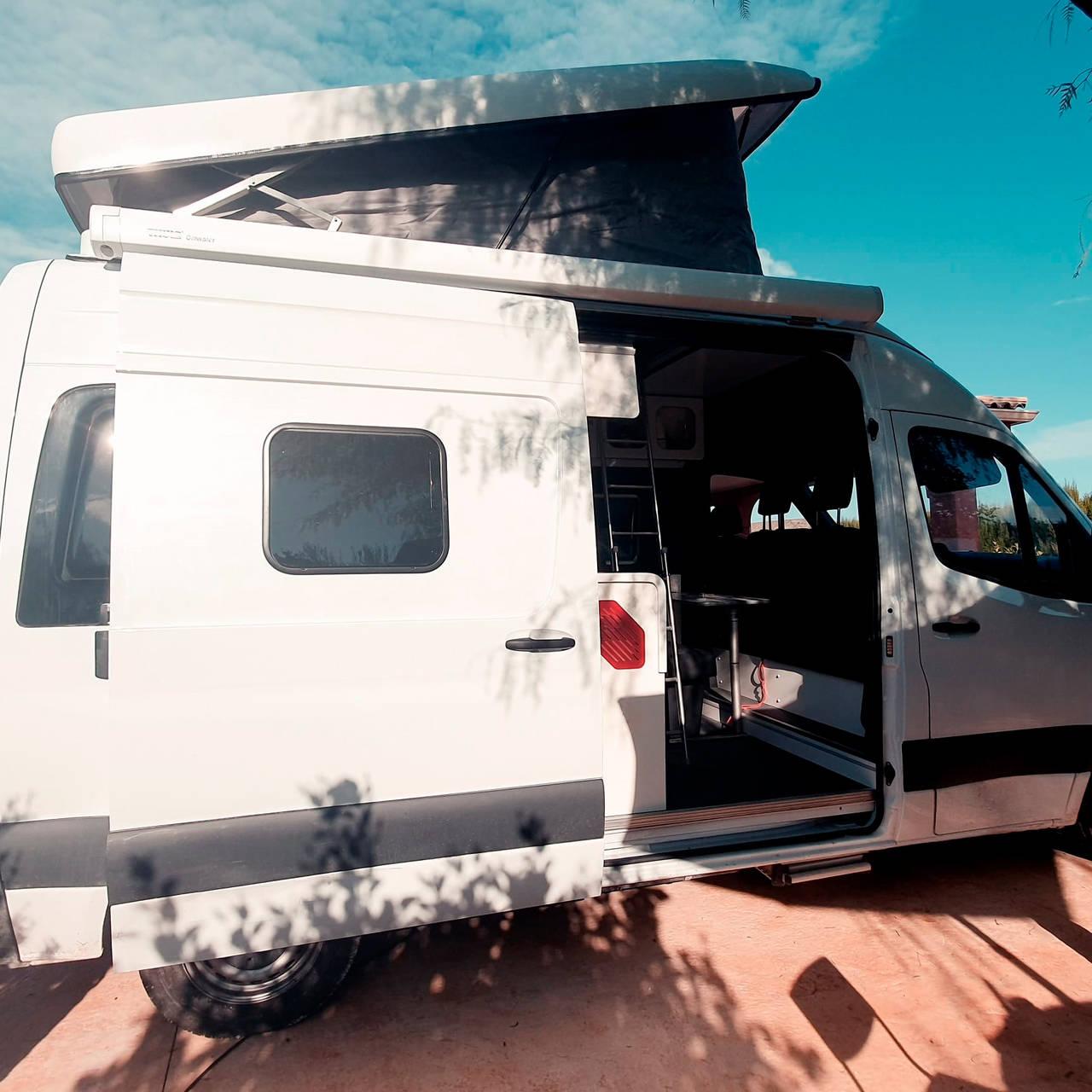 Alquiler furgoneta Camper en Alicante Mercedes  - Foto 1