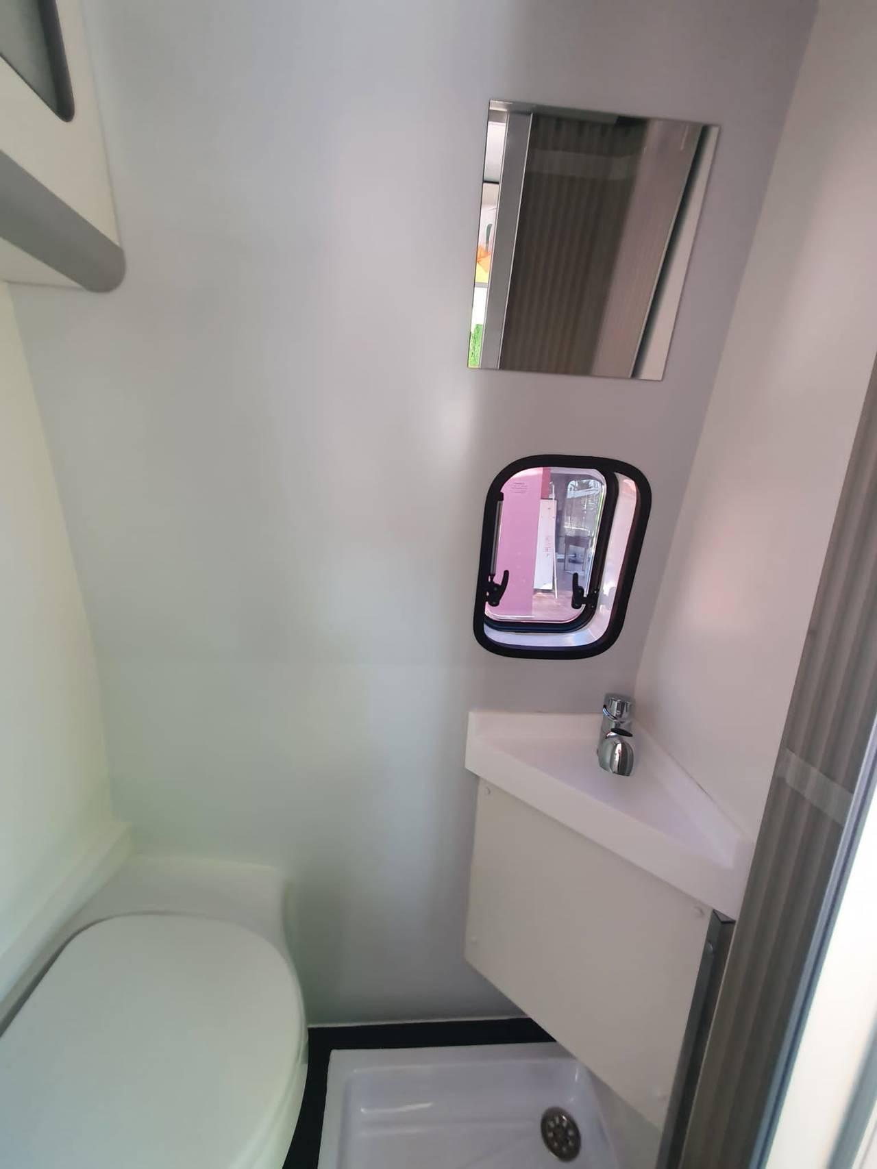Alquiler furgoneta Camper en Alicante Mercedes  - Foto 3