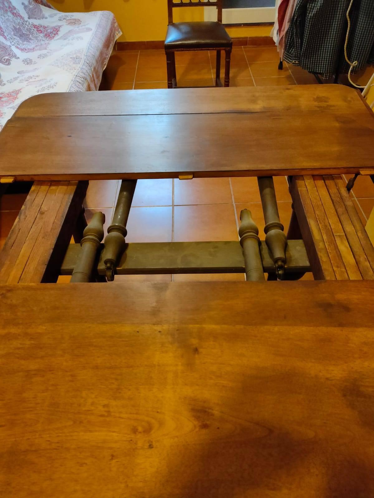 Mesa extencible maciza y 6 sillas cuero  - Foto 6
