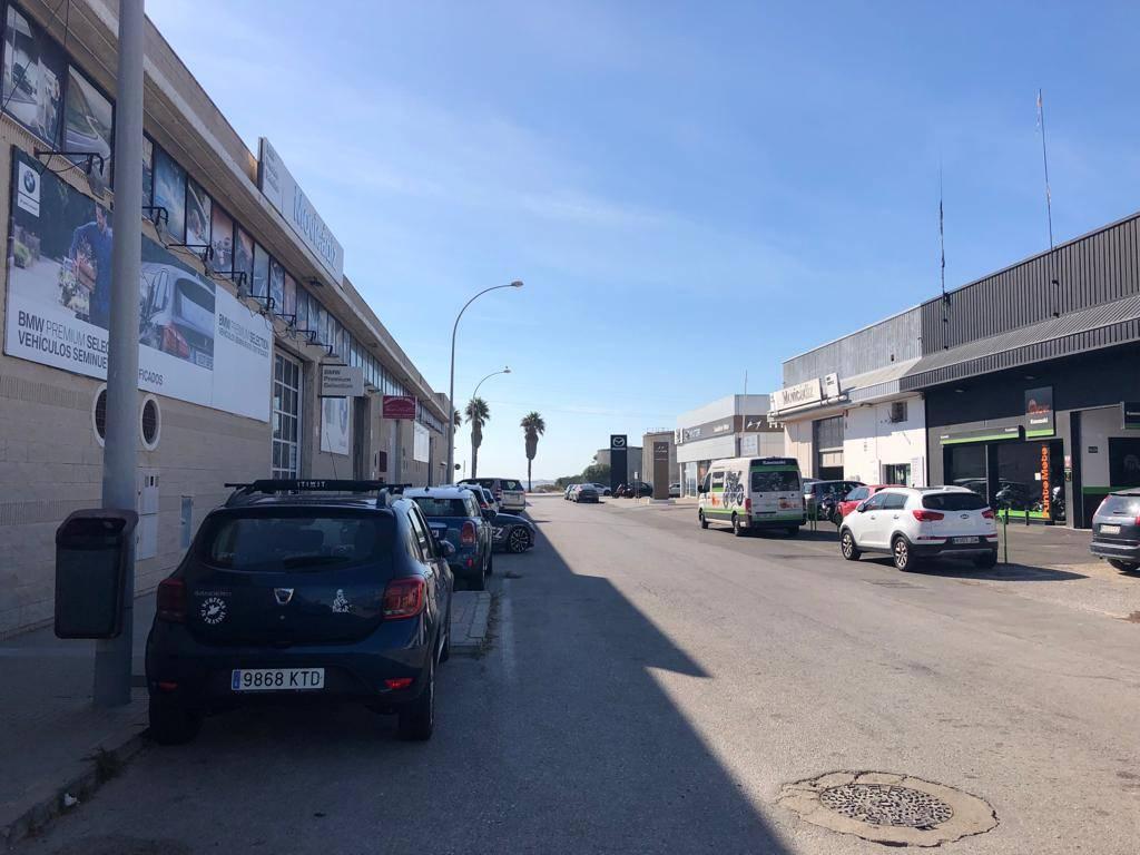 NAVE EN P. EMP. DE LEVANTE, C/ ALCALÁ DE LOS GAZULES 1ª LINEA BAHÍA  - Foto 5