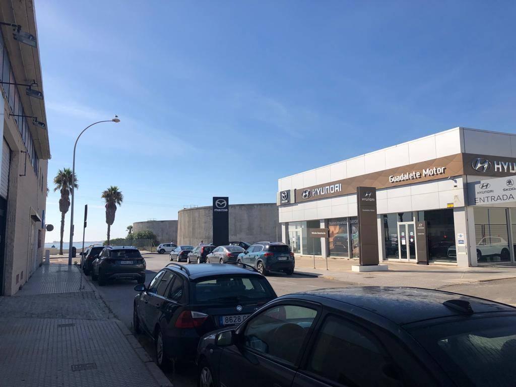 NAVE EN P. EMP. DE LEVANTE, C/ ALCALÁ DE LOS GAZULES 1ª LINEA BAHÍA  - Foto 3