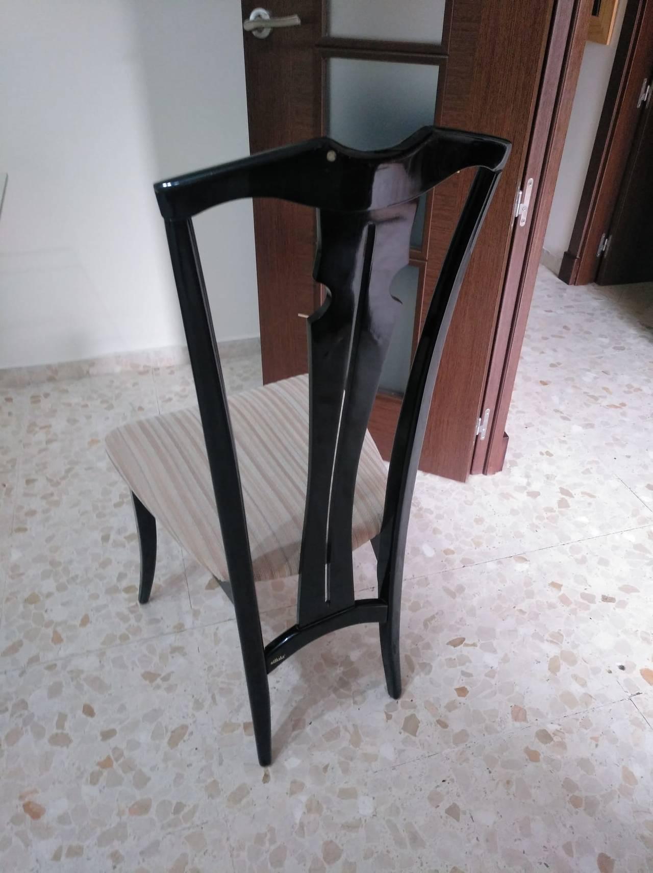 Mesa y sillas  - Foto 1
