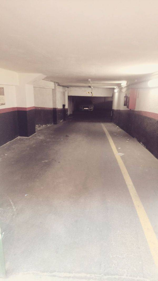 Amplia plaza de garaje para moto en Panizo 58  - Foto 4