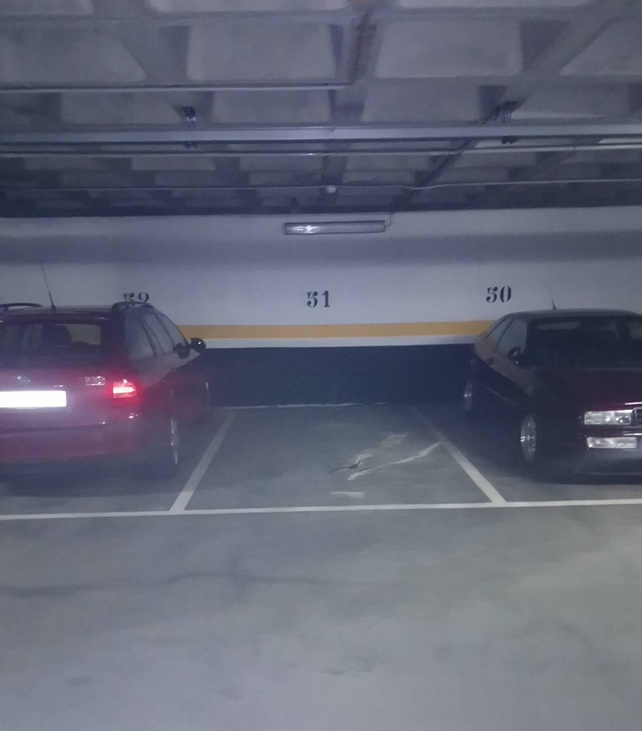 Garaje vigilado 24h en de Valle de Mena  - Foto 1