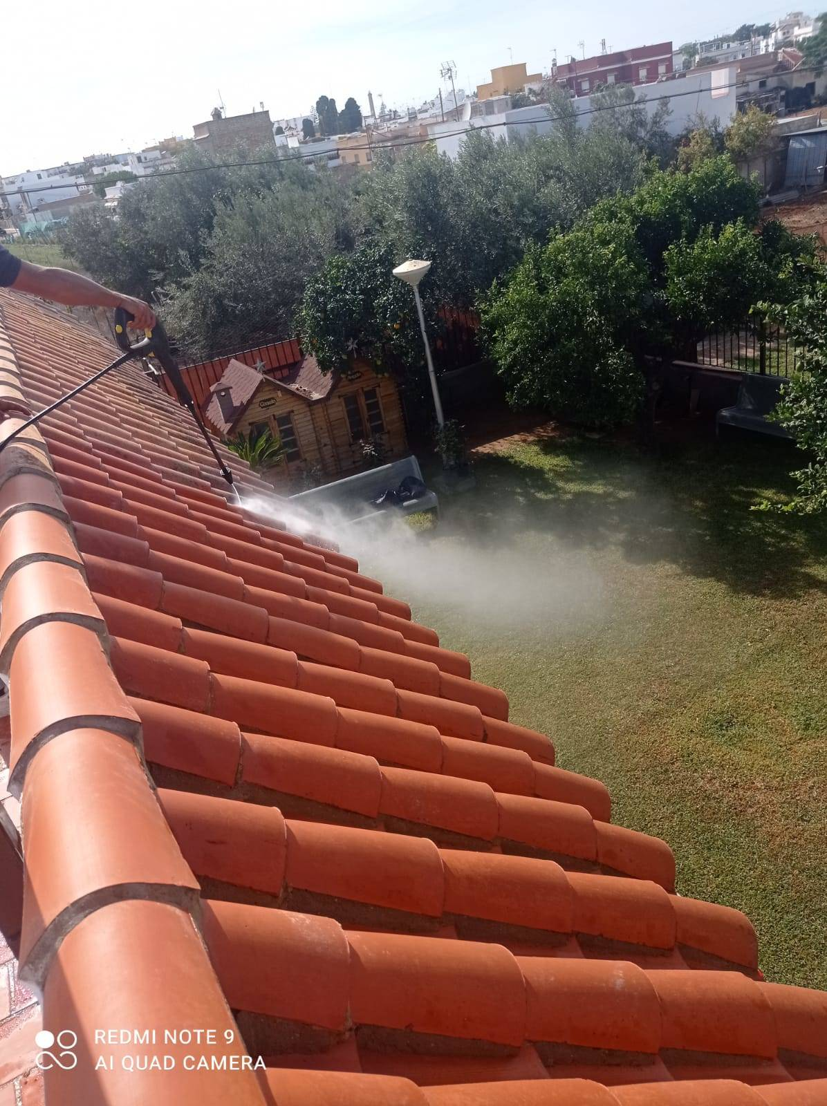 Limpieza de tejados y fachadas  - Foto 3