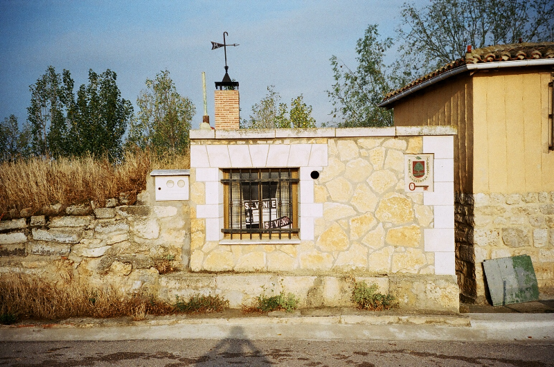 BODEGA-MERENDERO EN HINESTROSA CASTROJERIZ ALQUILER  - Foto 1
