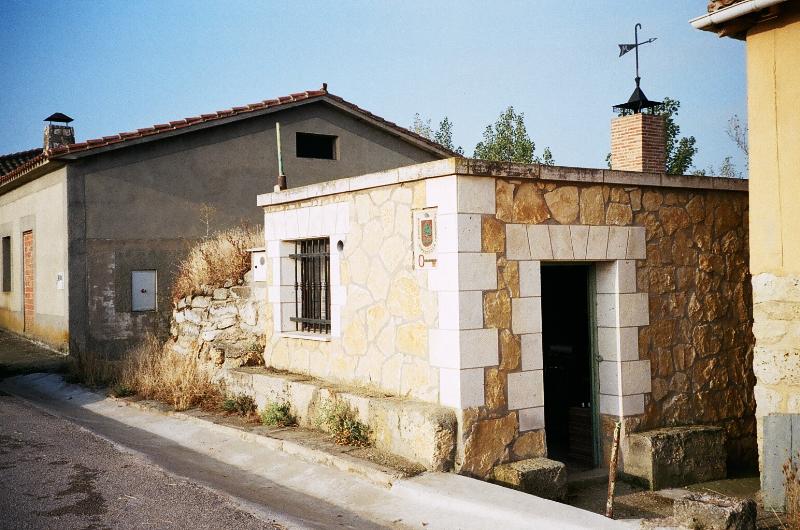 BODEGA-MERENDERO EN HINESTROSA CASTROJERIZ ALQUILER  - Foto 2