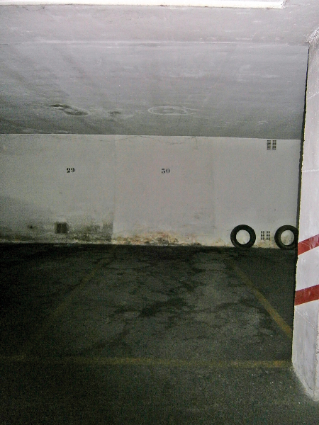 Se alquila plaza de garaje abierta en calle Santa